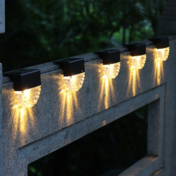 4-pc Outdoor Solar LED Deck Light Garden Decoration Wall and Step Light_3