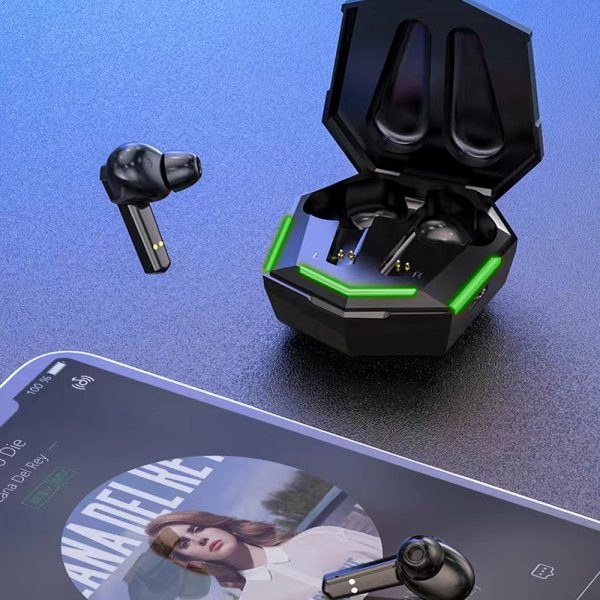 Low Latency TWS Bluetooth Gaming Earphones with Charging Case_2