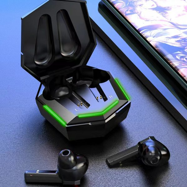 Low Latency TWS Bluetooth Gaming Earphones with Charging Case_3