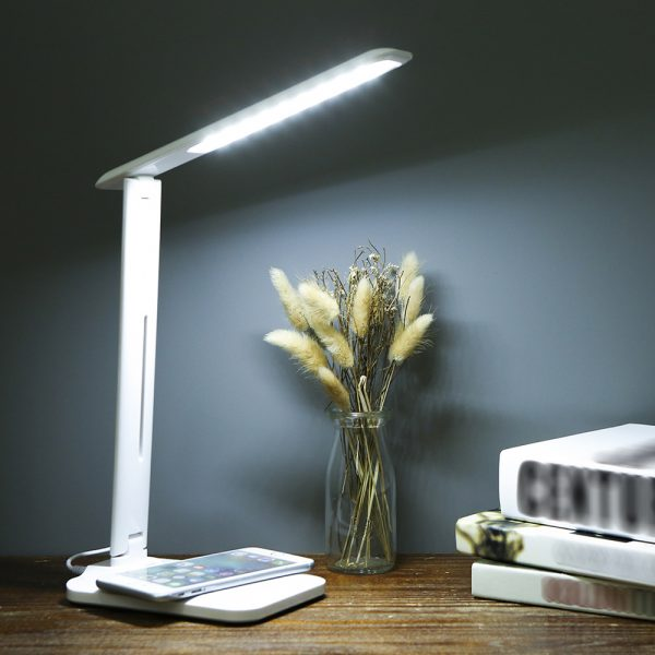 Multifunctional LED Desk Lamp with 5W Wireless Charging Function_1